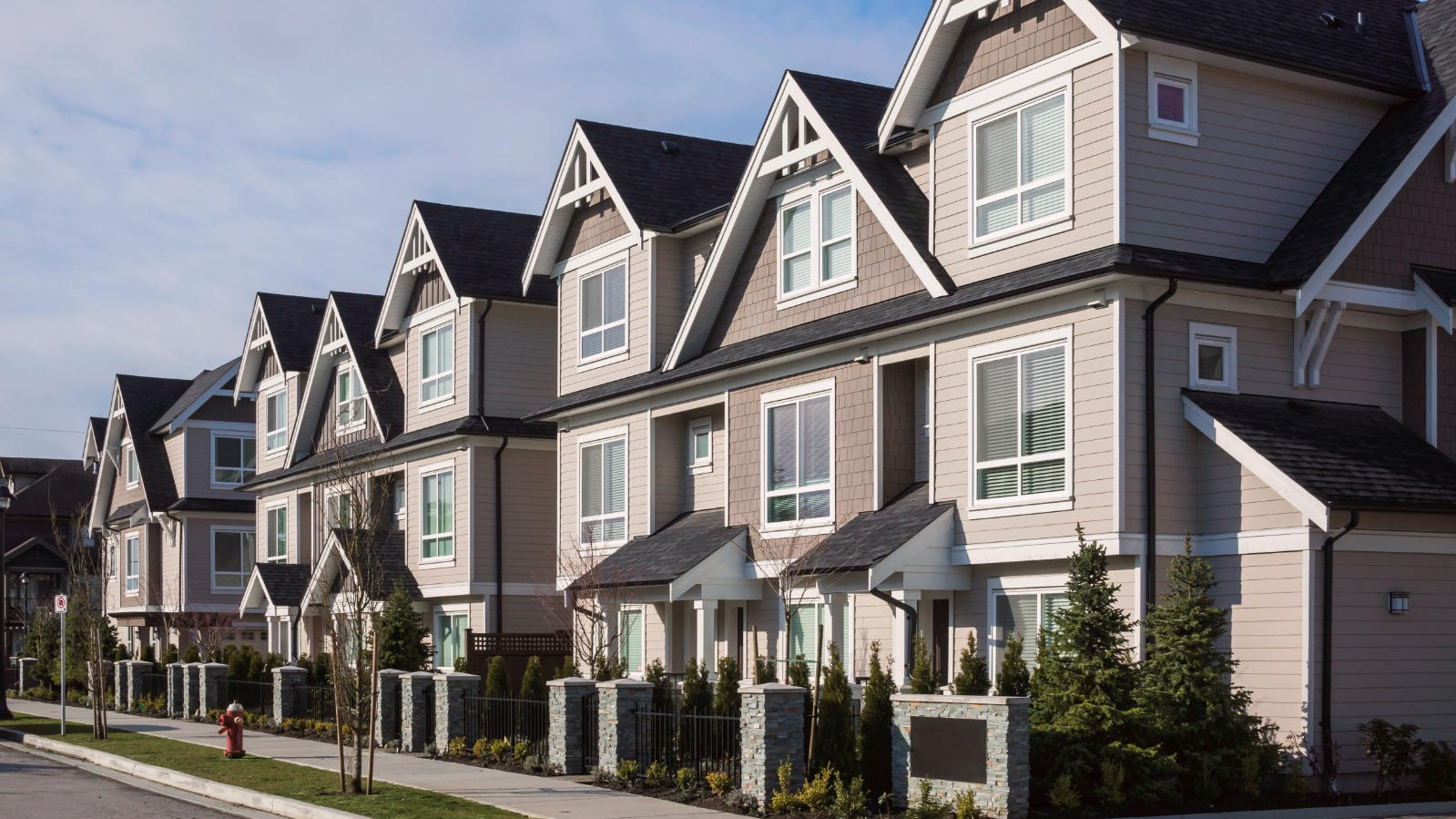 Townhouse and Its Advantages