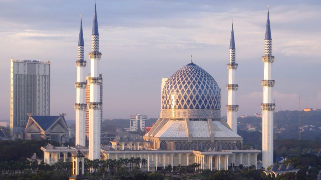 Mosque of Sultan Salahuddin Abdul Aziz Shah