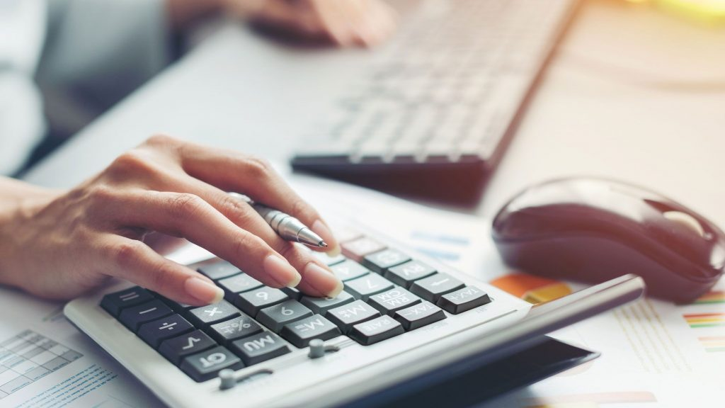 How Banks Calculate Debt-to-Service Ratio